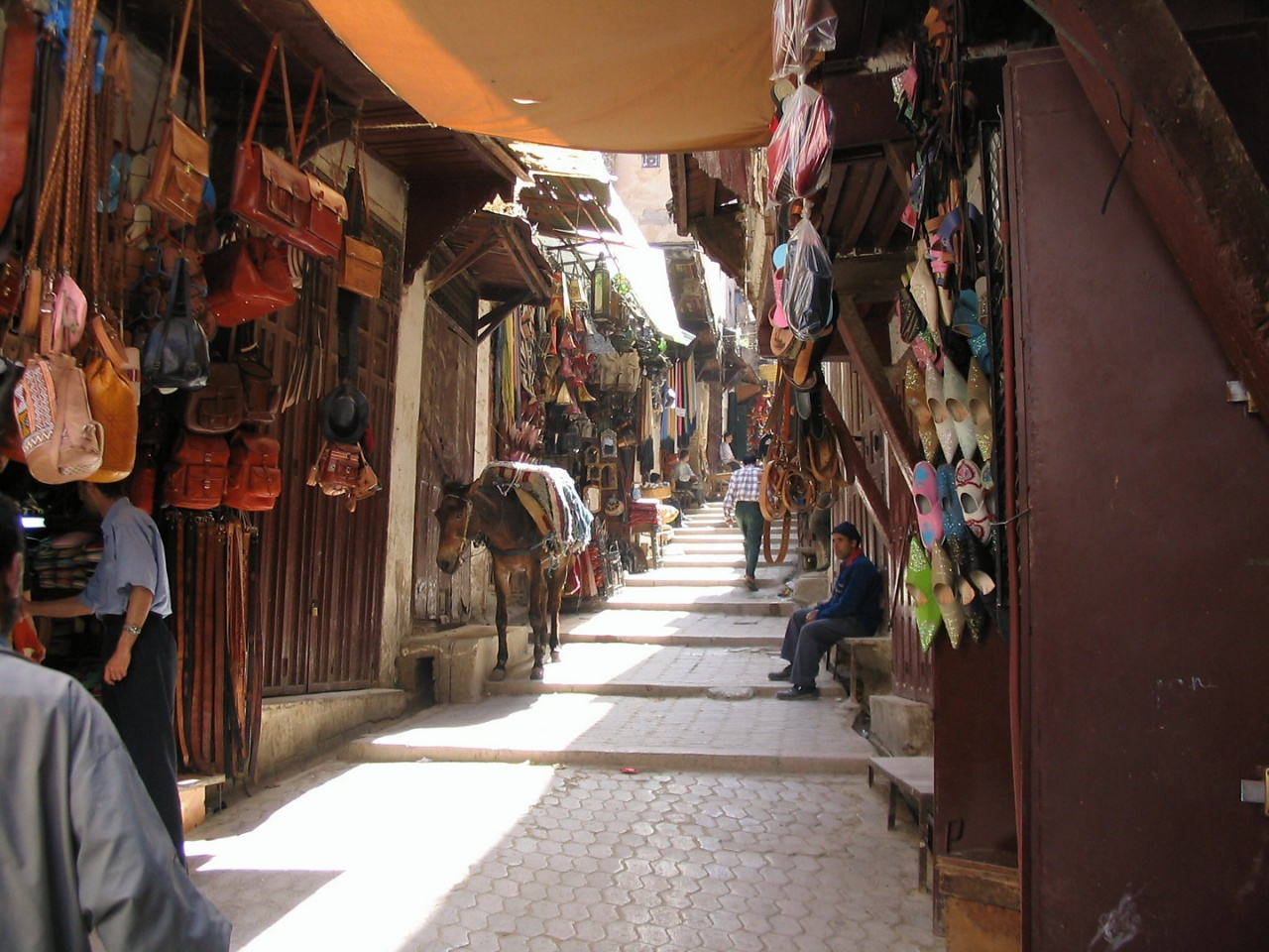 20040529_1721-Soukh_in_Fes_04
